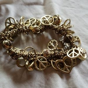 Jewelry - 70's peace sign charms bracelet